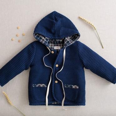 chaqueta con capucha reversible bizcocho